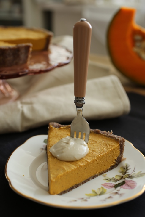 raw pumpkin pie 5